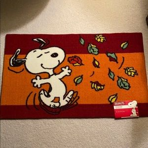 Peanuts Snoopy accent rug